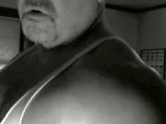 masturbación maduro muscular cum shot