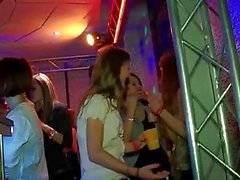 blowjobs eylem clubbers sarhoş parti porno grup seks partisi sert lanet