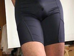 Real pee in spandexpants that is grey