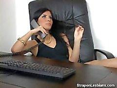 ass -fick girl- on-girl lesbische - blond dem strapon anale - lesbisch - strapon
