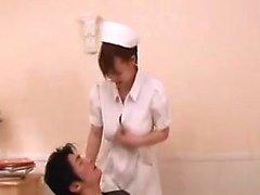 asiatico grandi tette adolescente uniforme