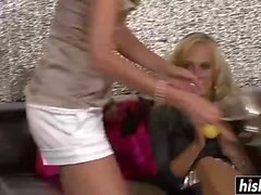 blondi ruskeaverikkö fetissi ryhmäseksiä hd