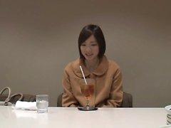 aasialainen tyttö japanilainen yksin