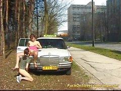 desnudez pública gargantas profundas al aire libre taxi coge en la calle