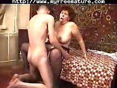 granny porno lesbienne fille granny séduire poilu lesbienne