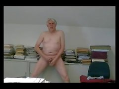 TPV - Pornmodel Tom made a hot masturbation session in his office