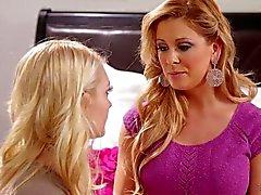 lesbisk teen blondin