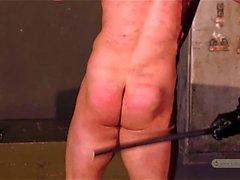 bdsm schiavo catturato abusato legato up piccola