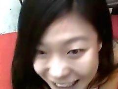 asiatico pompino handjob interracial all'aperto