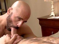 adam russo de ty de roderick em pêlo homossexual - camisinha big- pau