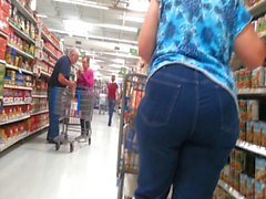 Big Booty Blonde Milf - Tight Jeans - Candid