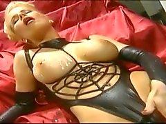 dilettante grandi tette sborrate pornostar tette