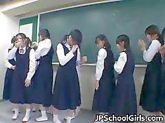 amateur aziatisch aziatische schoolmeisje kindje grote tieten