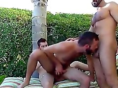 gay gay gruppsex barbacka