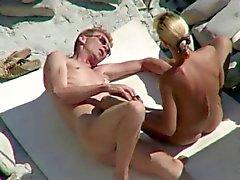 amador praia nudez em público voyeur