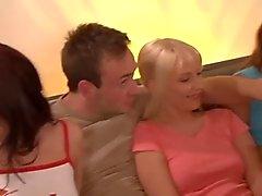 dupla penetração alemão sexo em grupo