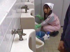 азиатский ванная комната минет