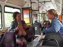 dilettante grandi tette brunetta autobus hardcore