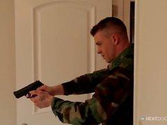 nextdoorbuddies gay nextdoor dörren intill armé