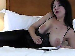 amateur bdsm gros seins brunette