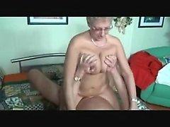 amatör bbw stora bröst blondin avsugning