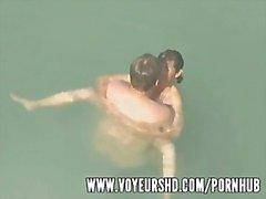divertente voyeur spiaggia piscina grossi - tette