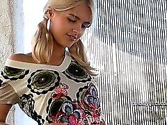 blondi hieronta ulko venäläinen yksin