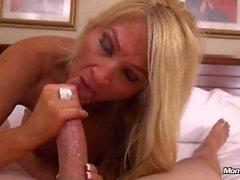 göt büyük bir lanet popo göğüsler anal milf gilf blonde big
