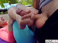 teini-ikä jalka fetissi hieronta