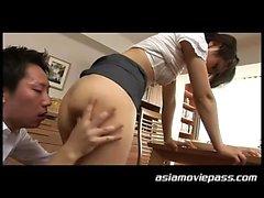 asiatico bambino tastare
