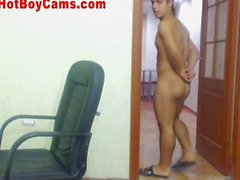 Hot Muscular Guy Does Great Webcam Show FULL