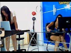 dilettante brunetta lesbica giocattoli webcam
