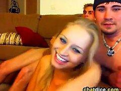 amateur blowjob teenager dreier webcam