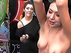 bdsm esclavo público consolidado vergüenza exhibicionismo humillación femenina