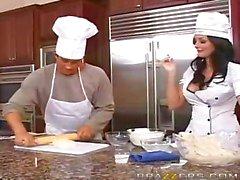 grote tieten keuken milf