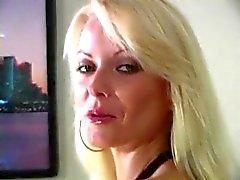 блондинках дамское белье эротика