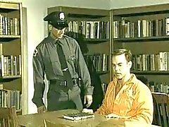 Prisoner is fucked by horny cop