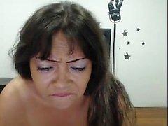 dilettante grandi tette brunetta masturbazione