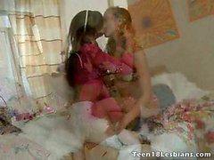 amateur rubia morena lesbiana