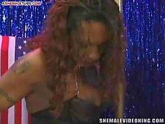 Stud bangs ebony tranny in club