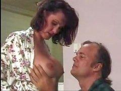 gros seins anal éjaculation