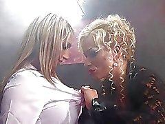 milfs lesben big boobs blondinen