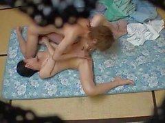 asiatique seins massage