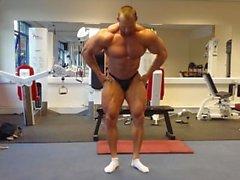 oink musclebull lihas yksin mies homo