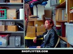 christy aşk minyon hırsız dükkanı 3some shoplyfter asansör genç hırsız yakalandı şantaj polis doğal memeler tıraşlı christy
