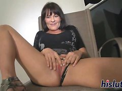 Intense masturbation session with a hot cougar