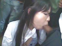 asiatisch blowjob bus cum schlucken abspritzen