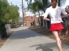 милашки мигать в общественных девушка мигающий обнаженный голые девушки