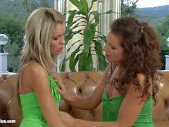 girl on girl öpme lezbiyen lezbiyen porno videoları lezbiyen sex filmleri