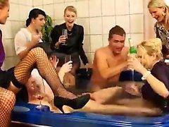 asslick блондинка брюнетка немецкий групповой секс